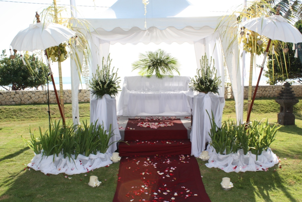 Bali wedding hotels dream weddings in bali for Au jardin singapore wedding