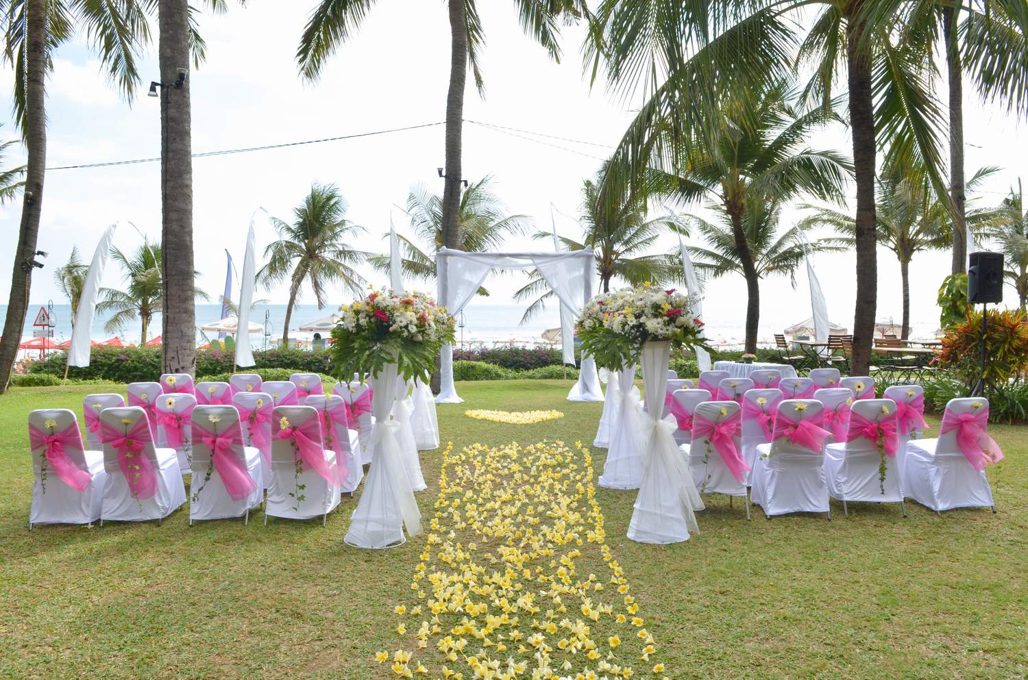 Dream weddings in bali bali wedding resources for Au jardin singapore wedding